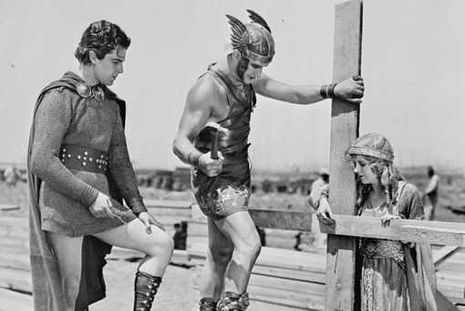 Ramon Novarro, Francis Bushman and May McAvoy on the set of their 1925 biblical epic, BEN HUR (Image: Library of Congress / CC attribution).
