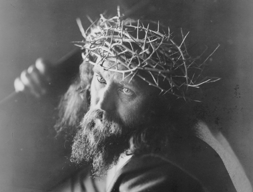 Representation of Christ from the Oberammergau Passion Play circa 1910 (image © F. Bruckmann A.-G., München / Library of Congress / CC attribution)