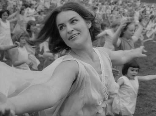 Vivian Pickles as Isadora Duncan in Isadora: The Biggest Dancer in the World (1966), part of The Great Passions. Image courtesy of BFI.
